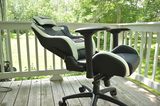 Pleasant Gt Omega Sport Gaming Chair Sitting In The Lap Of Luxury Uwap Interior Chair Design Uwaporg