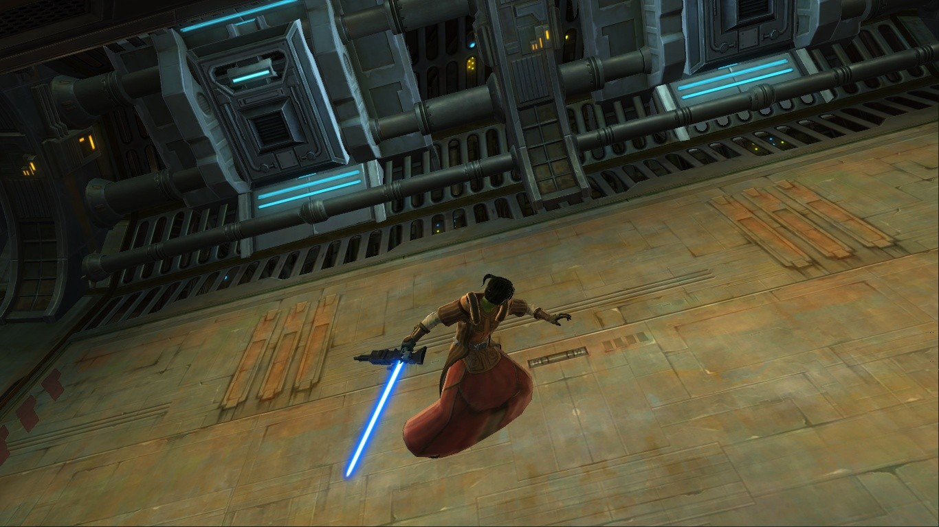 Star Wars: The Old Republic - Saber and blaster rifle = Badass