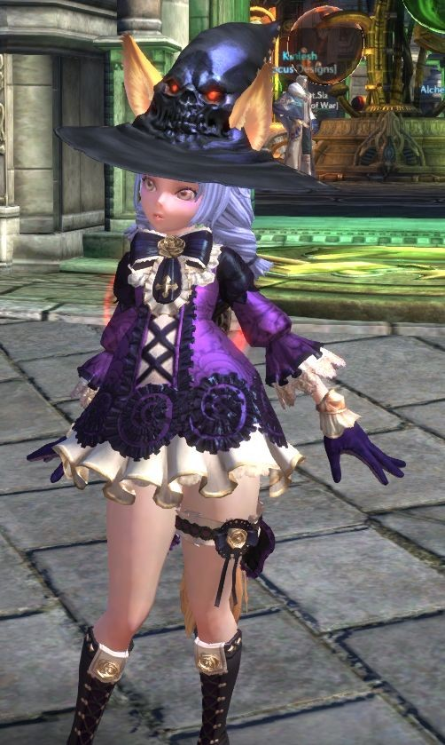TERA - Apparently its the T14 robe with a Nexus hat (thanks!)