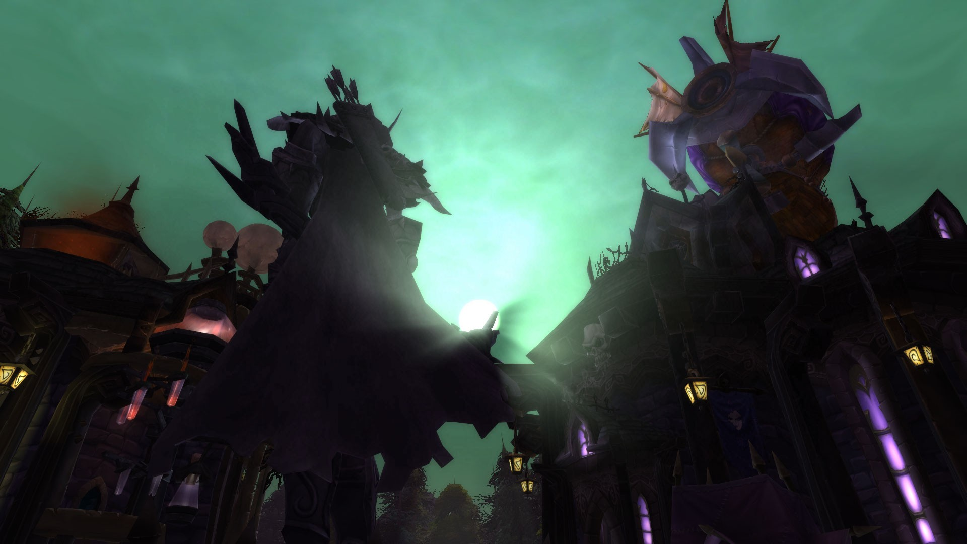 World of Warcraft - The Dark Lady's new efigy: Well...her behind.