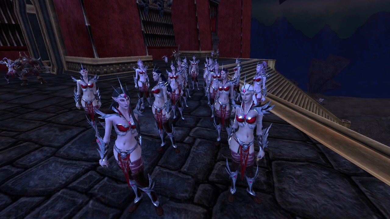 Warhammer Online: Age of Reckoning - Now now...  take a number ladies...