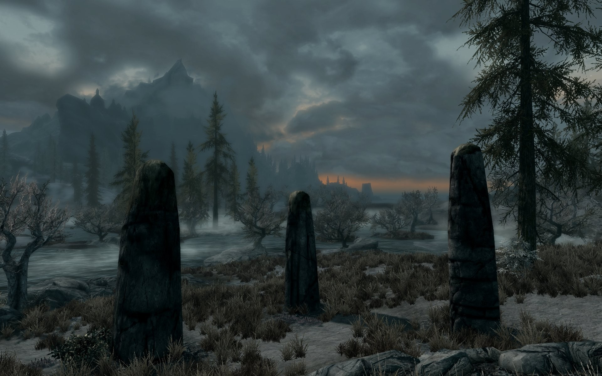 Skyrim - dusk upon the wetlands near Solitude.