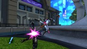 Champions Online - Everyone's Hero does a flying kick into an alien. SO POWERFUL!