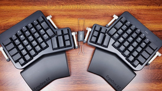 ErgoDox EZ Glow Review - The Most Powerful Keyboard Ever? - MMORPG com