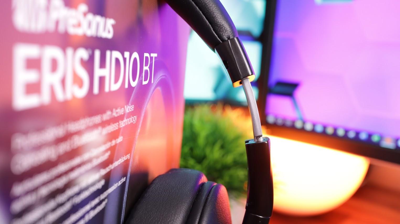 The HD10 BT's adjustment band is impressive