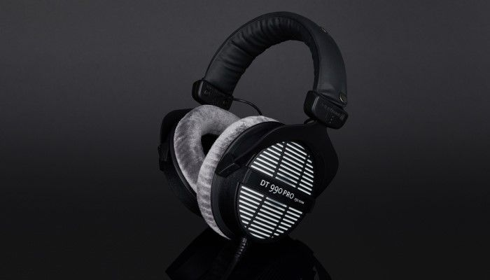 Beyerdynamic DT 990 Pro Review - From The Studio to Your Desk