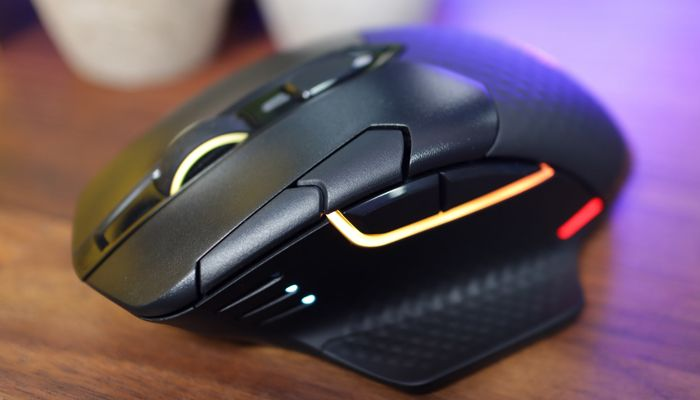 Corsair Dark Core RGB Pro Review: Adapt and Glide