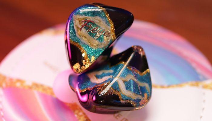 Revisión de Kinera Freya IEM: auriculares artesanales