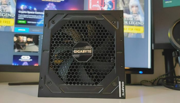 Gigabyte P750GM Unboxing & First Look