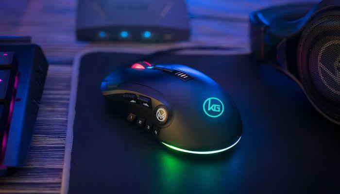 Revisión del mouse para juegos MMOMENTUM Pro